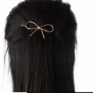 Silver Bow Hair Clip 2 set